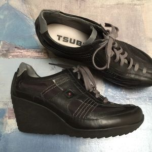 Tsubo Black Wedge leather sneakers